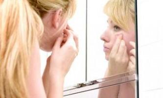 Білі прищики на обличчі, причини утворення та способи усунення