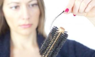 Чим обумовлено і як лікувати випадання волосся разом з цибулинами?