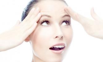 Що допоможе розгладити зморшки на лобі?