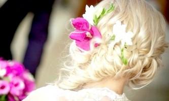 Фотографії красивих весільних зачісок на середні волосся