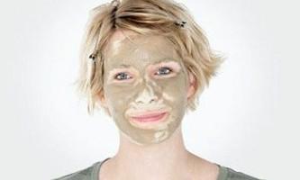 Глиняні маски для усунення проблем жирної шкіри обличчя