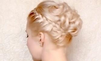 Грецька зачіска з косою і кучерями