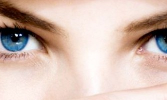 Використання народних методів від зморшок навколо очей
