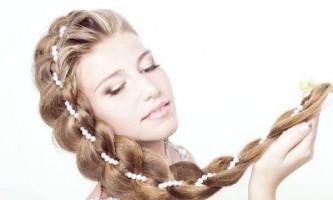 Як красиво заплести волосся?