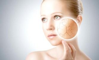 Як прибрати лущення шкіри на обличчі?
