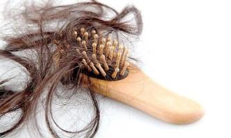 Яка норма випадання волосся в день у жінок