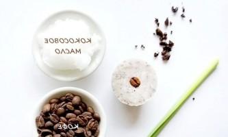 Кокосове масло від розтяжок і целюліту
