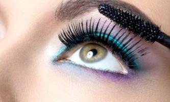 Гарний макіяж очей на кожен день: легкий і натуральний