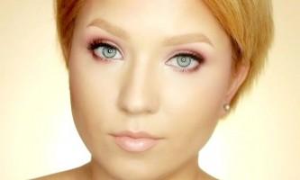 Гарний макіяж з рожевими тінями