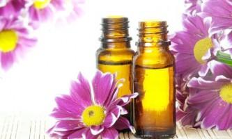 Кращі з базових і ефірних масел для профілактики і лікування прищів на обличчі