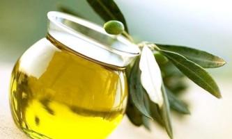Приголомшливі властивості оливкової олії для збереження молодості шкіри