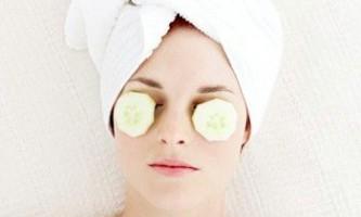 Маски для шкіри навколо очей і області століття, домашні рецепти
