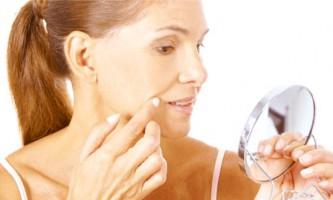 Зморшки над верхньою губою: кошти для розгладження, домашні процедури, салонні методики