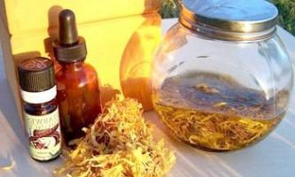 Настоянка календули від прищів, застосування, домашні рецепти масок, лосьйонів, відварів