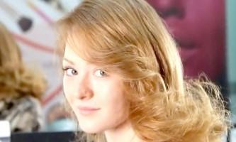 Зачіска для тонкого волосся середньої довжини: фальш-каре