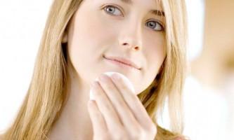 Вирішіть проблему шрамів і слідів від акне простими домашніми способами