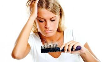 Ставимо крапку в боротьбі з випаданням волосся у жінок