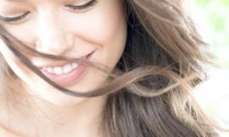 Сухий шампунь - швидкий і ефективний догляд за волоссям!