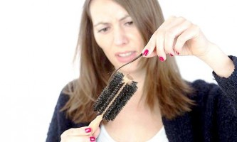 У чому зв`язок між різними захворюваннями і випадінням волосся